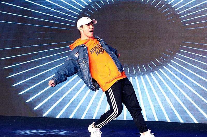 星城街舞学员舞蹈