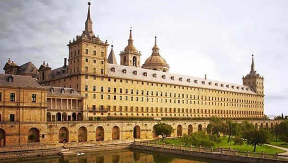 上海外国语大学法国本科留学预备班